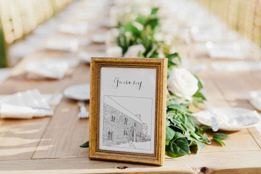 wedding seating chart ideas | illustrated table numbers