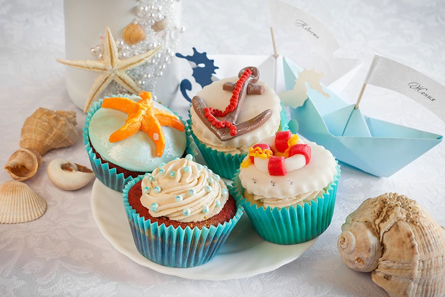 yacht party food ideas | nautical cupcakes