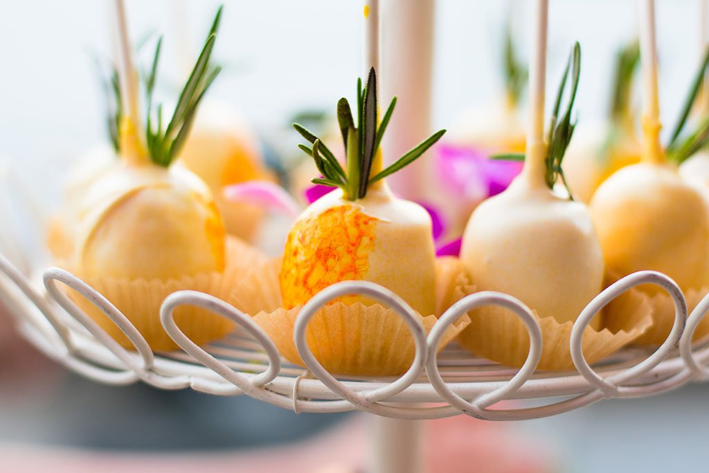 pineapple cake pop