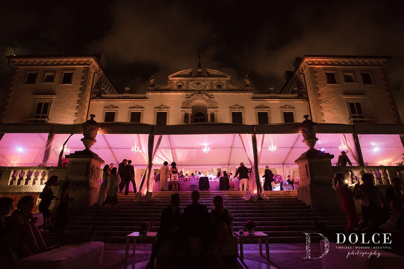 2018 wedding trends | ultra violet lighting for wedding at Vizcaya Museum & Gardens