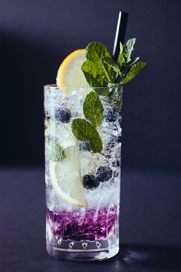 2018 wedding colors | blueberry lavender cocktail with silver rum