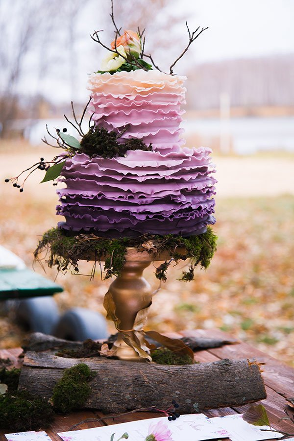 Violet ombre wedding cake