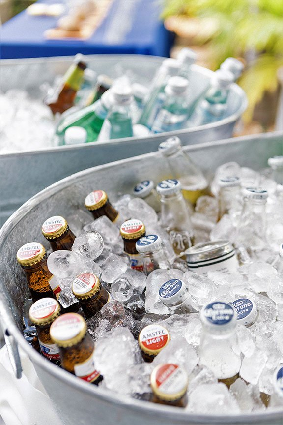 Galvanized beverage tub | Eggwhites Catering BBQ Catering