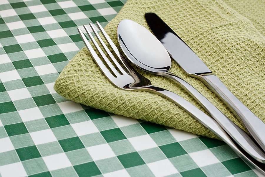 Picnic Decor | Green Gingham Tablecloth