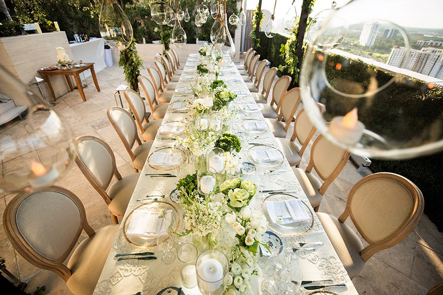 2019 wedding trends | Intimate rooftop wedding in Miami