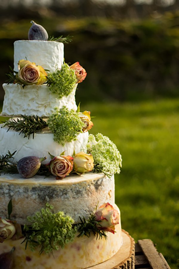 Alternative wedding cakes | cheese wheel