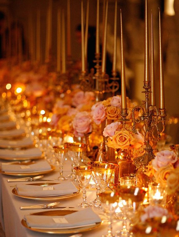 wedding trends 2019 | colored tapered candles