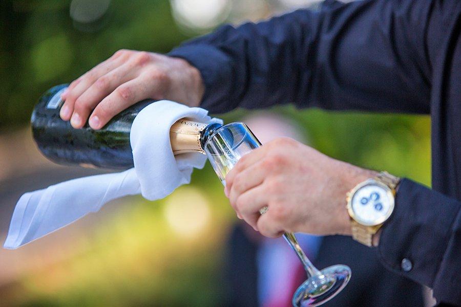 unique wedding venues | pre-ceremony champagne welcome drink