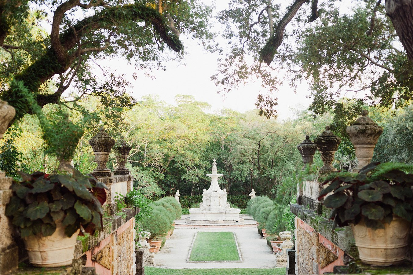 Unique wedding ceremony settings | Vizcaya Museum and Gardens
