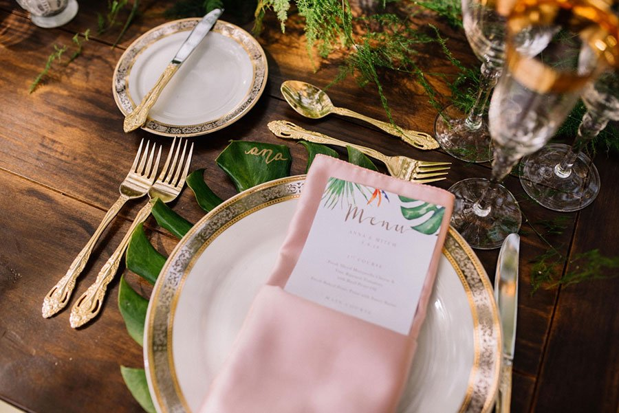 tropical wedding table decor | philodendron leaf charger