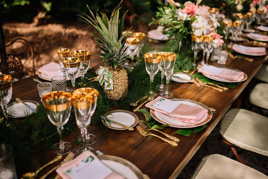 tropical wedding table decor | bare wooden table