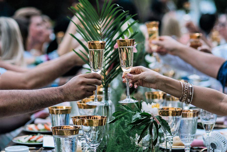 tropical wedding table decor | tropical foliage table runner