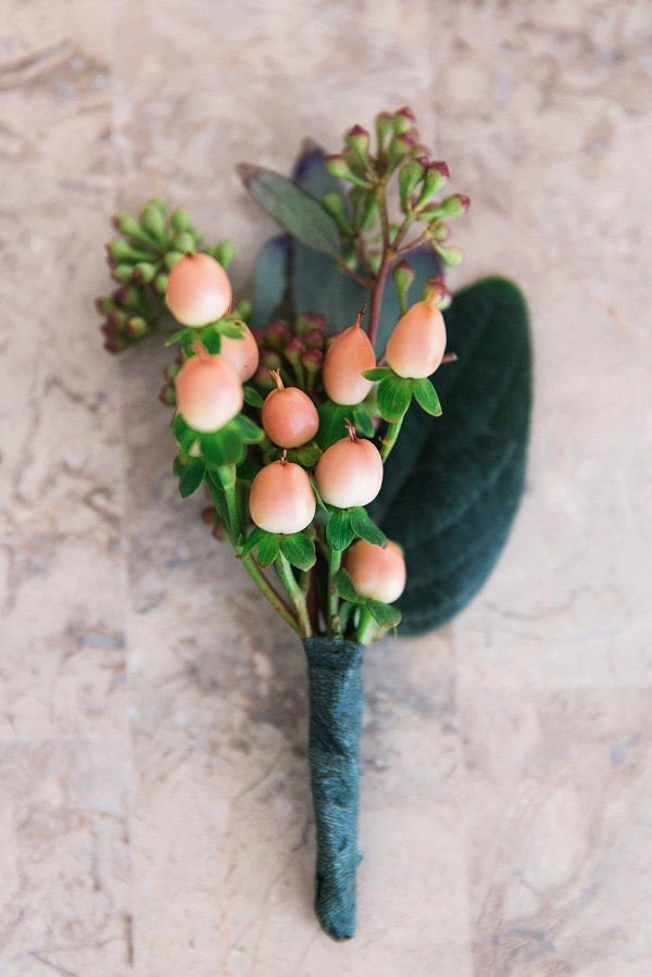 wedding colors | coral boutonniere