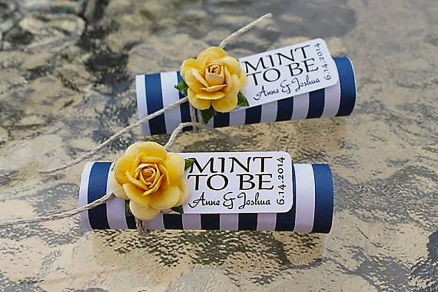 wedding color scheme | navy, yellow and white party favor