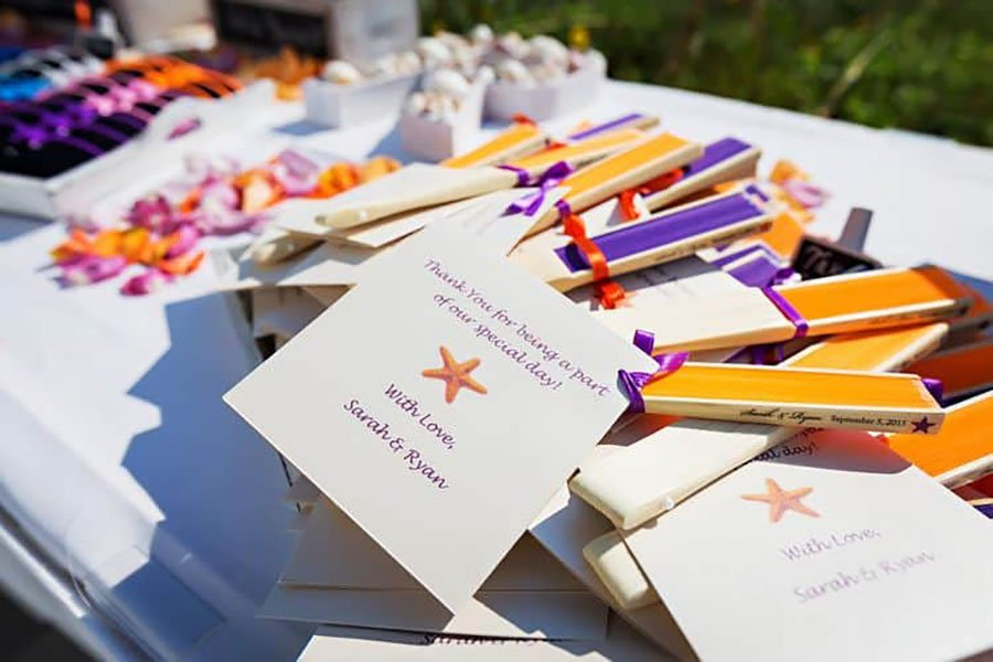 destination wedding favors | handheld fans