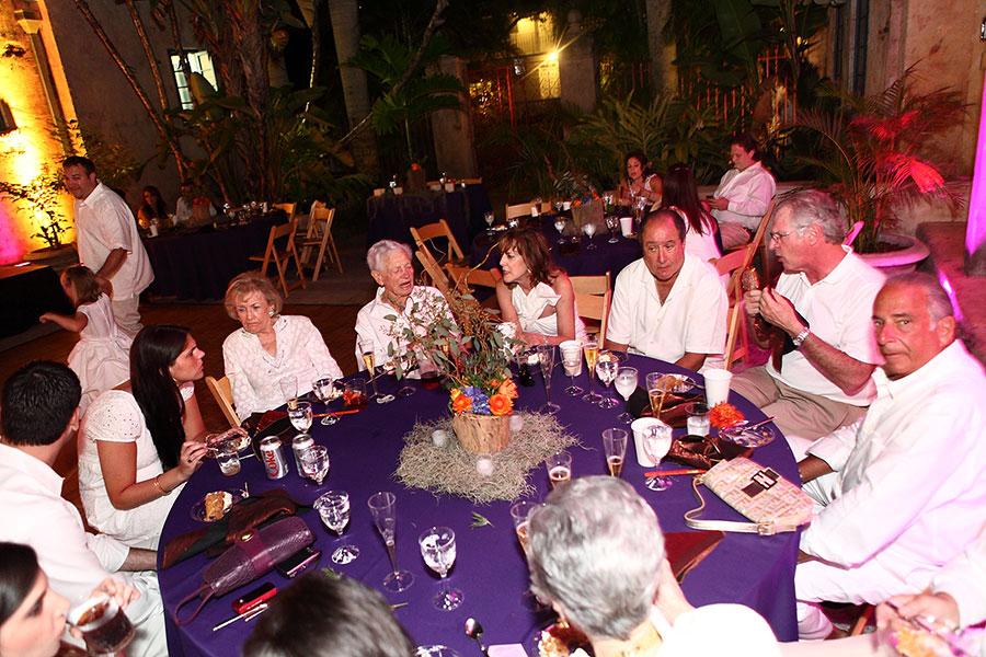 coral gables wedding venue | venetian pool wedding reception