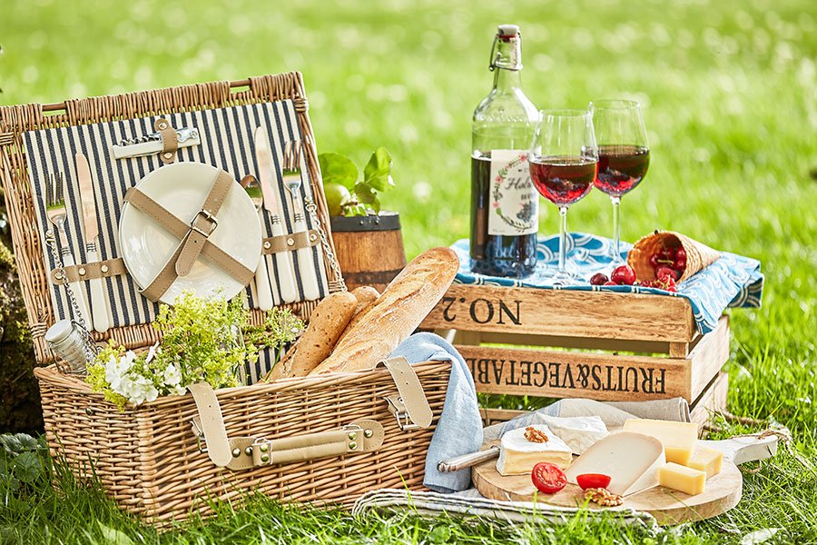 wedding shower ideas | backyard picnic
