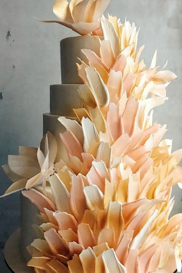 wedding trends 2020 | brushstroke wedding cake